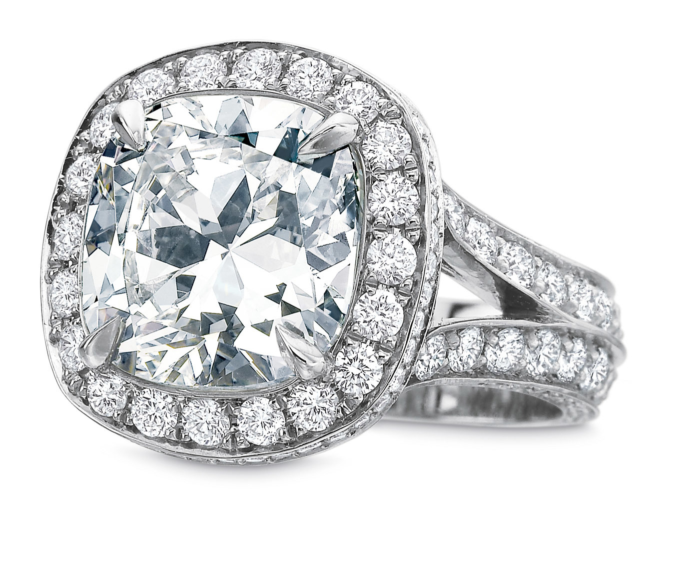 Cushion cut halo ring_093
